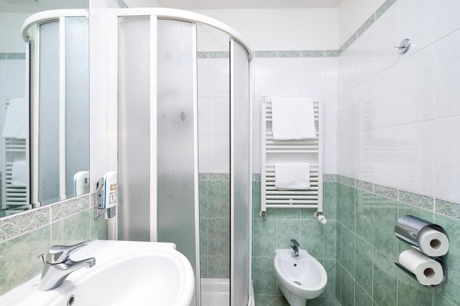 Bagno privato in camera - Hotel Rivamare